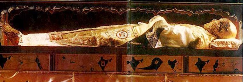 The corpse – or is it a plaster cast? – of Spanish pirate ...