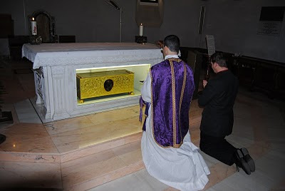 Tomb of St.Thomas in San Tommaso Basilica, Ortona.